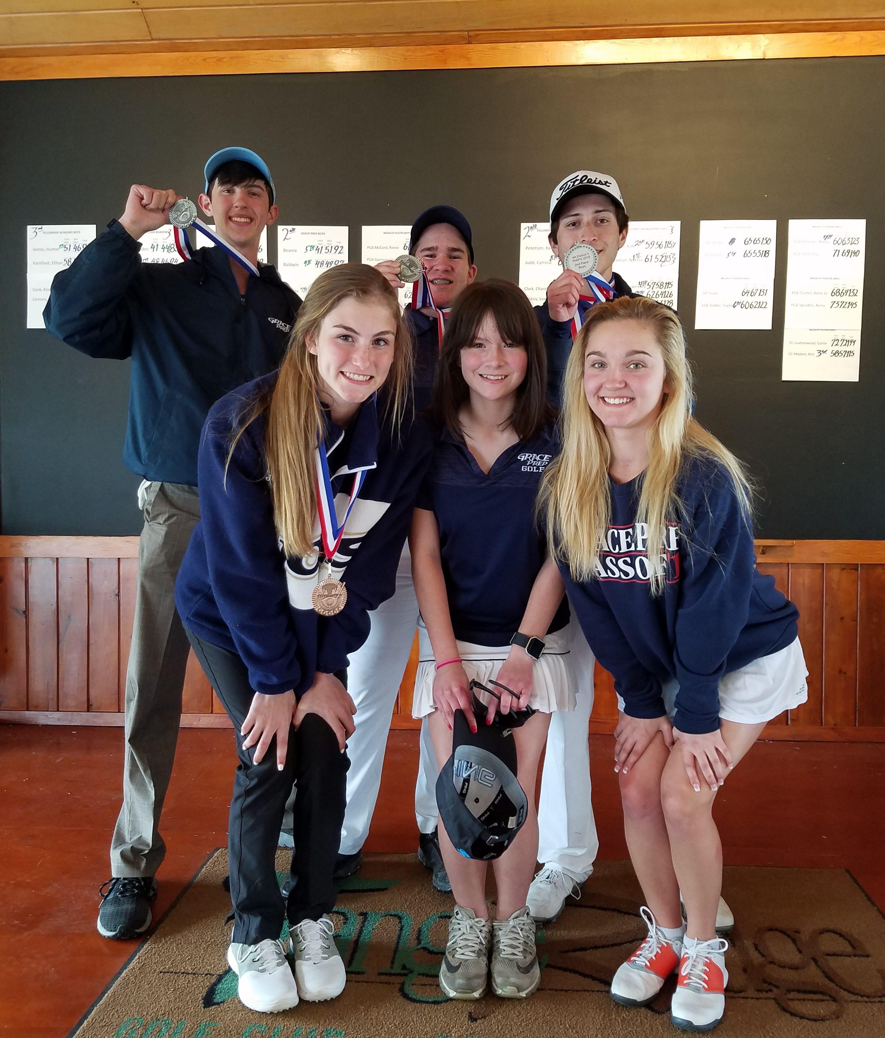 Golf Qualifies Members for Regionals